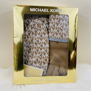 Michael Kors Hat Scarf Gloves 3pc